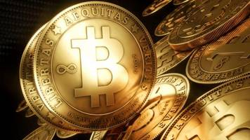 bitcoin currency tested as largest exchange goes offline
