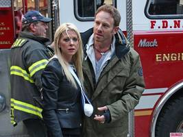 tara reid most likely loses a limb in 'sharknado 2′